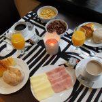 Le petit-déjeuner à Dear Porto Guest House est riche et variée